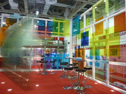 plus-glass-vanceva-colours-exhibition-booth