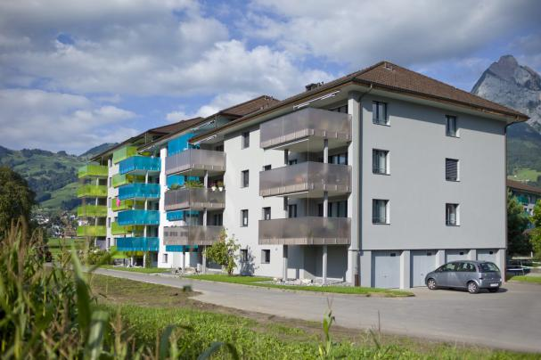 renovation-apartment-buildings-stundenmatt-6438-ibach-switzerland