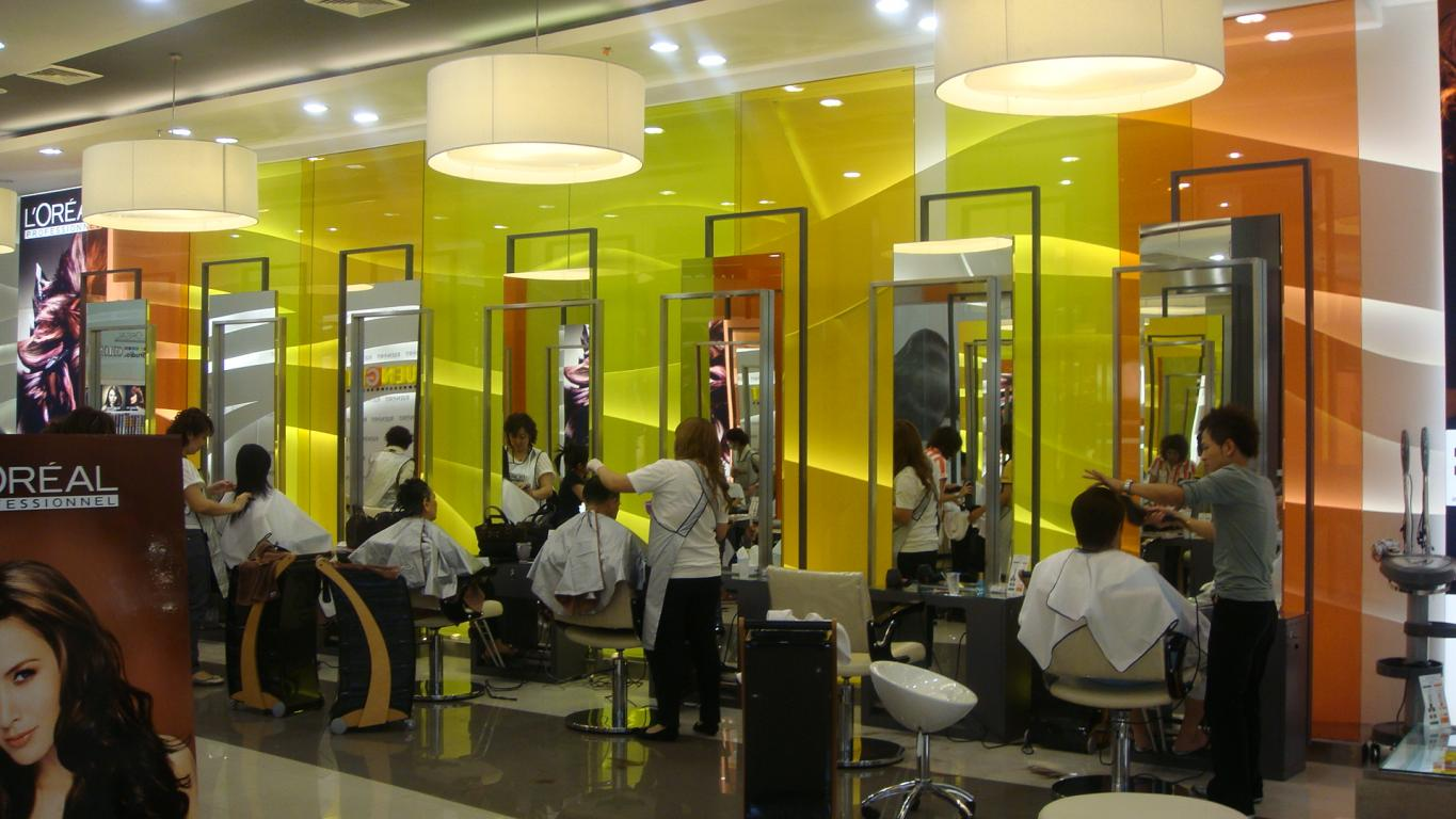 Ruengrit-Hairdressing-Academy-Bangkok-vanceva-thai-techno-glass