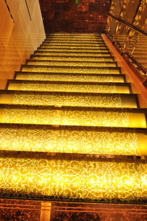 Renaissance-hotel-thailand-vanceva