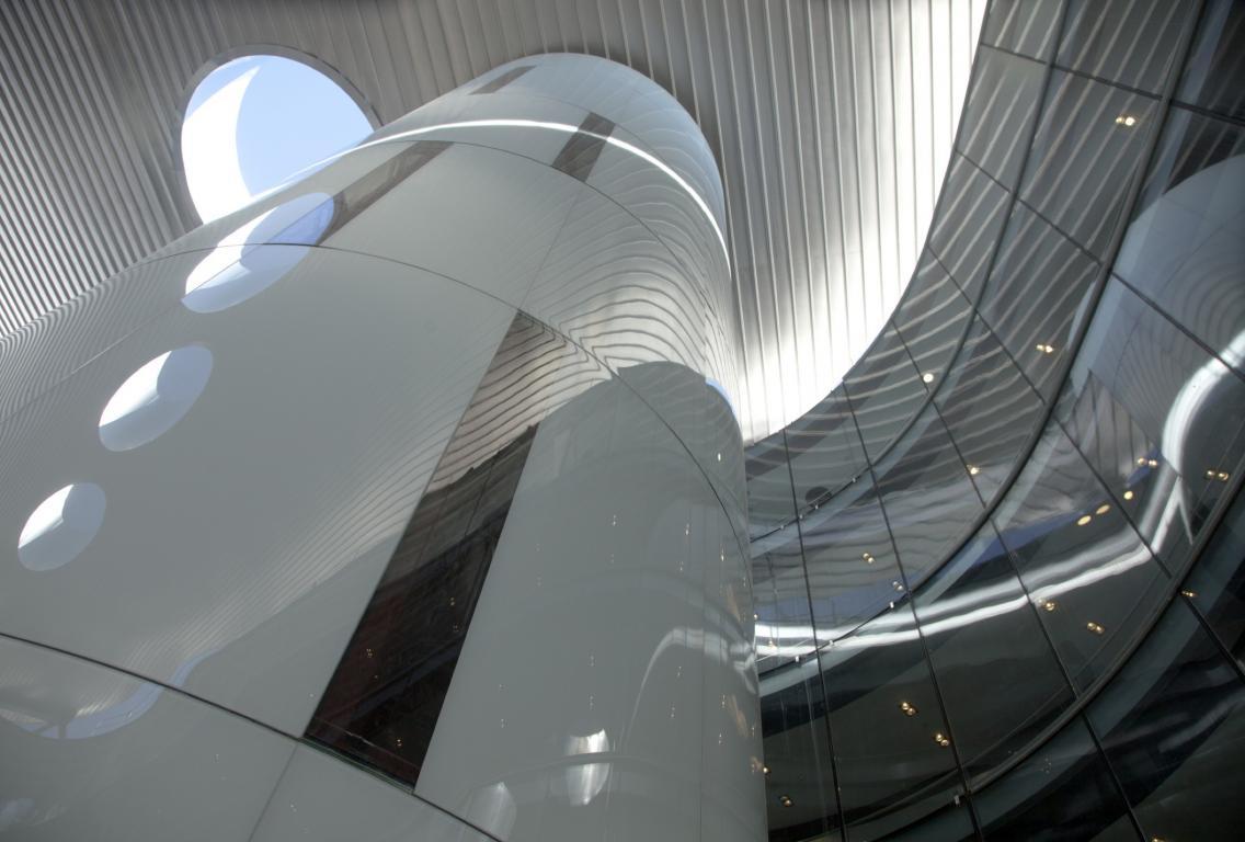 Torres-Ascensores-Hospital-Rey-Juan-Carlos-control-glass-vanceva-polar-white
