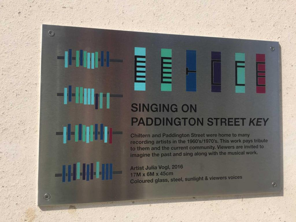 Singing-on-Paddington-Street-julia-vogl-signage
