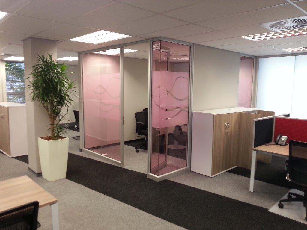 vanceva-colors-pg-south-africa-laminated-glass-head-office-coral-rose