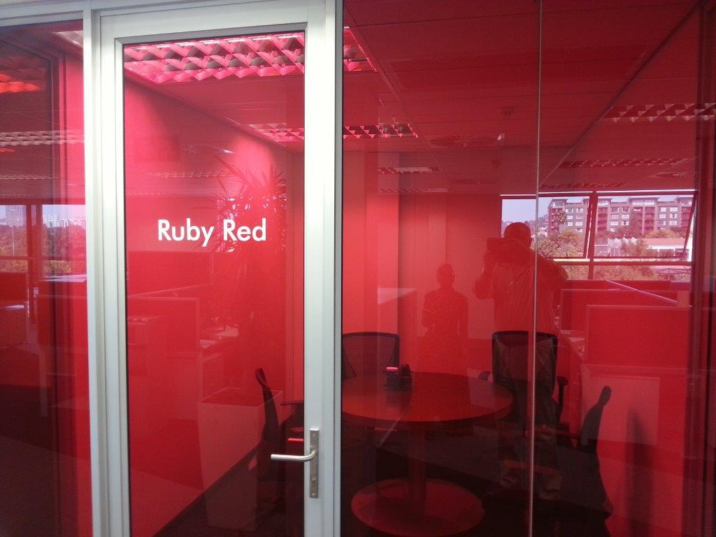 vanceva-colors-pg-south-africa-laminated-glass-head-office-ruby-red