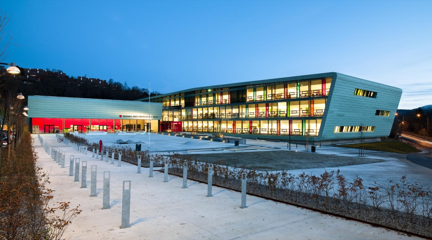 Nordahl-Grieg-School-norway-vanceva-Bolseth-Glass-link-Åsana-byggnesterforretning