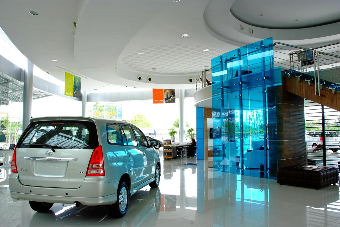 toyota-showroom-thailand-vanceva-thai-techno-glass