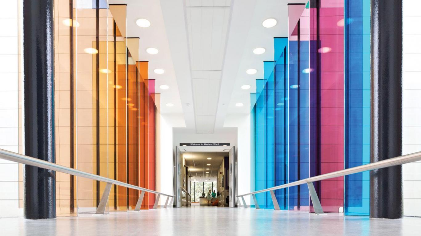 chesterfield-royal-hospital-acute-ward-block-corridor