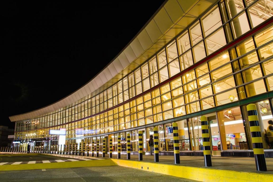 Jomo-Kenyatta-Airport-select-glass-vanceva