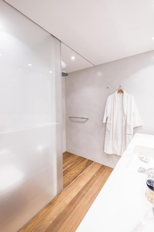 bathrooms-luxury-property-barcelona-spain